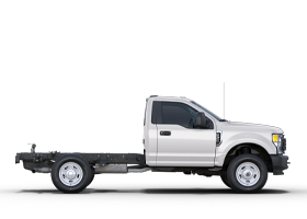 Super Duty à châssis-cabine F-350 XL 2020 de Ford illustré en blanc Oxford.